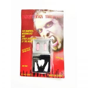 4 Pieces Dracula Teeth with Fake Blood Capsules