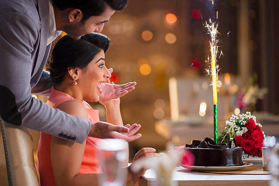 Best Decoration Ideas & Tips To Host Anniversary Celebrations In Lockdown
